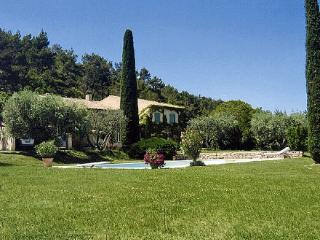 House with Pool in the Luberon near Town - Maison Lourmarin - Lourmarin vacation rentals