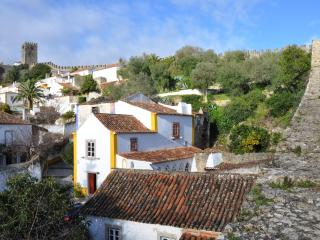 Obidos Castle - Unique luxury 3 bedroom house - Costa de Lisboa vacation rentals