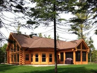 Luxury Quebec Log Cabin - Saint Sauveur des Monts vacation rentals