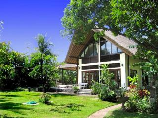 Villa Buka Kecil - Luxury private beachfront Villa - Bali vacation rentals