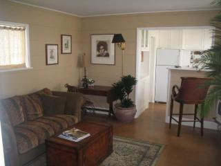 Living Room - Summerland Cottage - Laguna Beach - rentals