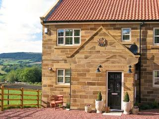 EWELANDS HOUSE, family friendly, luxury holiday cottage, with a garden in Sleights, Ref 7315 - Sleights vacation rentals