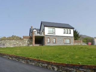 OCEAN VIEW , pet friendly, luxury holiday cottage, with a garden in Adrigole, County Cork, Ref 4630 - County Cork vacation rentals