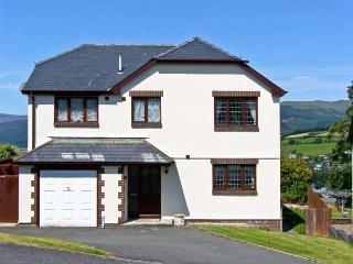 TAWELFAN, family friendly, country holiday cottage, with a garden in Dolgellau, Ref 7059 - Dolgellau vacation rentals