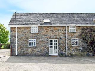 THE STABLE, family friendly, country holiday cottage, with pool in Whitland, Ref 7633 - Carmarthenshire vacation rentals