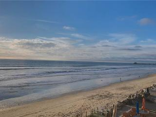 Ideal House with 2 BR-2 BA in Oceanside (1025 #C S. Pacific St.) - Oceanside vacation rentals