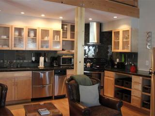 2 bed+loft /2 ba- LARKSPUR 1224 - Wilson vacation rentals