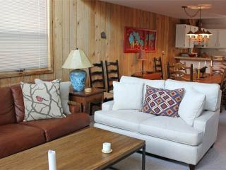 2 bed+loft /2.5 ba- WOODLANDS #A5 - Jackson Hole Area vacation rentals