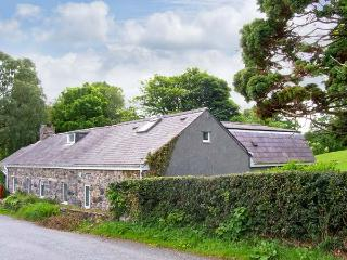 SNOWDROP COTTAGE, family friendly, country holiday cottage, with a garden in Conwy, Ref 7819 - Conwy County vacation rentals