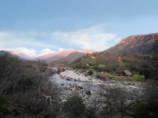 River Villa: Three Rivers At Sequoia Park Entrance - Sequoia and Kings Canyon National Park vacation rentals