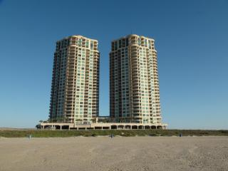 Luxury  3 Bedroom 2.5 bath Condo  on beach - Galveston vacation rentals