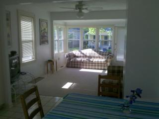 charming 1 bedroom house by stop 2 beach & casino - Michigan City vacation rentals