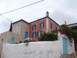 UPSCALE VILLA -  HYDRA ISLAND - GREECE - SEA VIEWS - Hydra vacation rentals