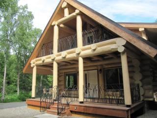 Talkeetna Majestic, Spectacular Log Cabin Sleeps 7 - Talkeetna vacation rentals