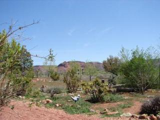 Peace, Privacy & Views. Fee Benefits Charity - Kanab vacation rentals