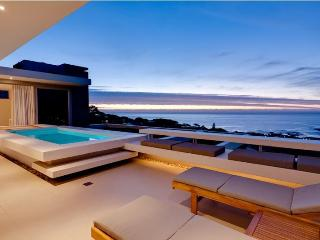 2-5 Bedroom Sea View Villa, 10 Min Walk to Beach - Camps Bay vacation rentals