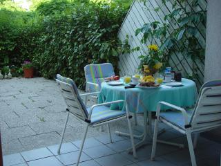 Downtown Innsbruck, garden apt. walk to everything - Innsbruck vacation rentals