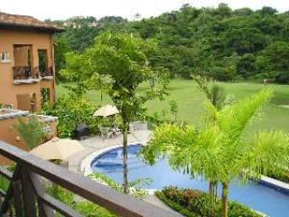 The Veranda 7B is perfect for the lover of luxury and nature. Enjoy this lovely condo as you wait for your next days adventure. - Image 1 - Herradura - rentals