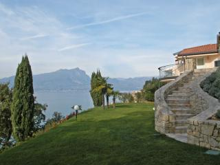 Lake Garda Villa near Town for Family and Friends  - Villa Torri - Torri del Benaco vacation rentals