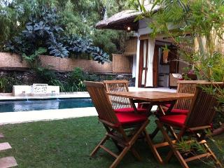 Jimbaran Beach Residence, private pool - BEACH 50m - Nusa Dua Peninsula vacation rentals