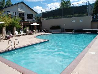 Champagne Turns for Breakfast     20% off September - October - Steamboat Springs vacation rentals