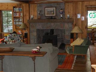 Coombe End Cottage - Mont Tremblant vacation rentals