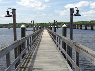 Lighted Pier out to dock.  Bring your canoe or Kayaks! - The Moxie Oceanfront Luxury Cottage