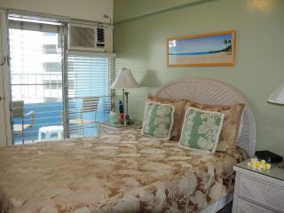 Romantic 2 BR 2BA CONDO WITH OCEAN VIEW IN WAIKIKI - Honolulu vacation rentals