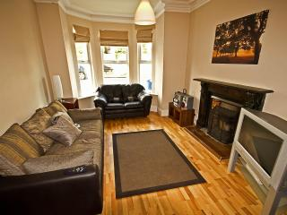 4 B/rm Self Catering in Derry w city center views - Northern Ireland vacation rentals