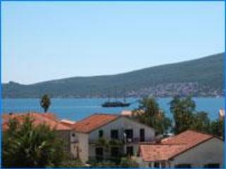 Sea View, Best Value Apartment ! (Montenegro/Eire) - Herceg-Novi vacation rentals