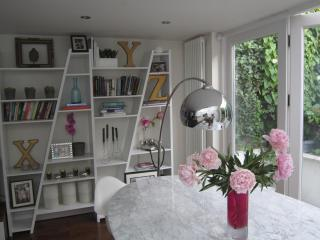 Primrose Hill  Gorgeous 2 Bed Garden Apt - Central - London vacation rentals