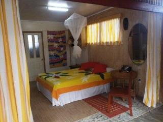 THE SHACK--Got it all and Budget Priced! - Rarotonga vacation rentals