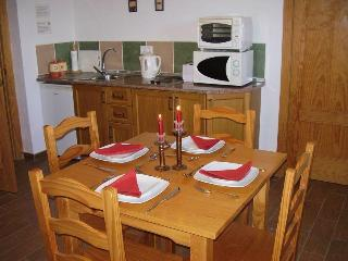 2 Bedroom Self Catering Holiday Rental in Iznajar - Iznajar vacation rentals
