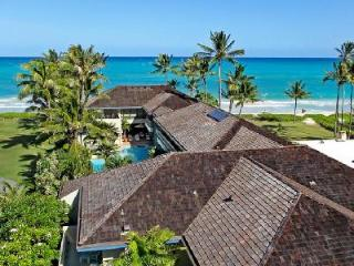 Palatial  Oahu Lani - Beachfront, Ideal for Large Family or Corporate Retreat - Kailua vacation rentals