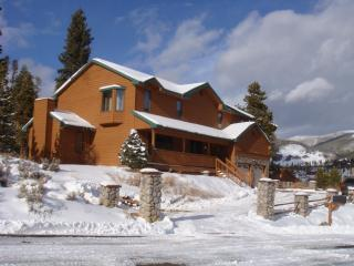 Gorgeous Alpine Home! Hot Tub, Centrally Located! - Summit County Colorado vacation rentals