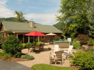 Located In Maggie Valley & Sleeping 2 - 9 People - Maggie Valley vacation rentals