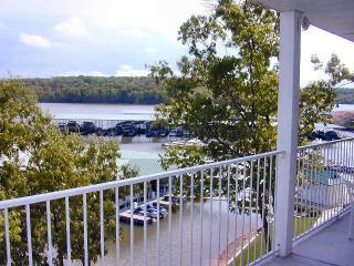3BR lakefront condo in heart of Lake of the Ozarks - Lake of the Ozarks vacation rentals