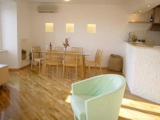 Meri a stylish apartment in a tradional house - Southern Dalmatia vacation rentals