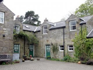 CLEMATIS COTTAGE,  Alnwick, Northumbria - Alnwick vacation rentals