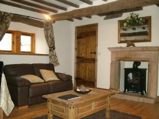 CLOVE COTTAGE, Ormside, Nr Appleby, Eden Valley - Appleby vacation rentals