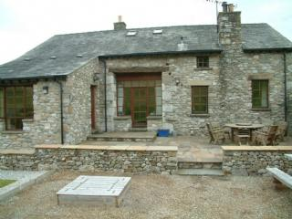 KNOTT VIEW BARN, Farleton, Kirkby Lonsdale, South Lakes Dales Border - Kirkby Lonsdale vacation rentals