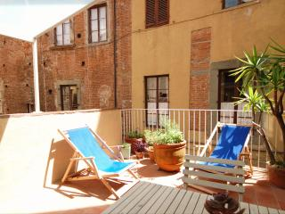 Delightful apartment with Terrace within the Walls - Lucca vacation rentals