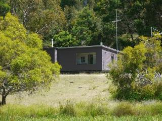 Secluded Freycinet Nature Retreat - Freycinet National Park vacation rentals