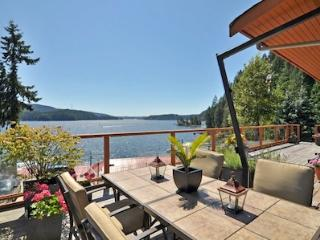 Spectacular 3 Bedroom North Vancouver Executive Water View Home - North Vancouver vacation rentals