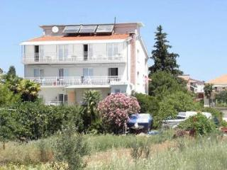 4557 R1(2) - Pakostane - Northern Dalmatia vacation rentals