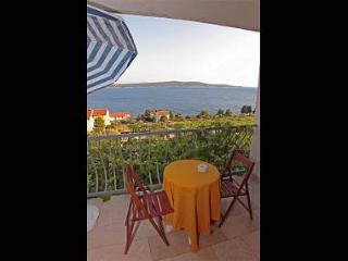 4570  A2(2+1) - Zavala - Supetar vacation rentals