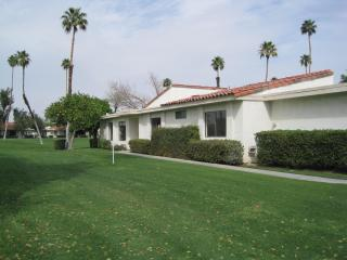 Rancho Las Palmas 2 Bedroom Plus Den 2 Bath - Rancho Mirage vacation rentals