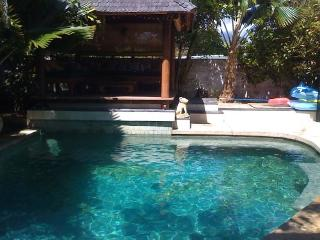 Bali Hawaii, 2,000 sq ft, private pool, by beach - Kailua vacation rentals