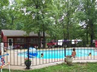 Foxfire 1 Bed/1 Bath - Silver Dollar City 1 Mile - Branson vacation rentals
