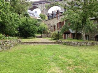 Luxury property situated at Dinan port. D003 - Brittany vacation rentals
